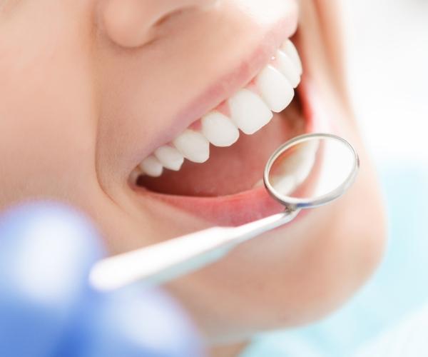 używane lustereczko stomatologiczne